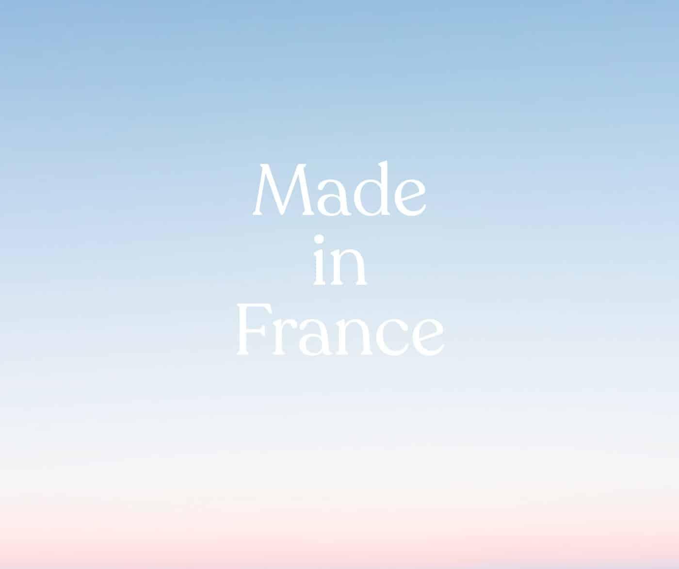 Coucher de soleil bleu blanc rouge représentant le drapeau de la France