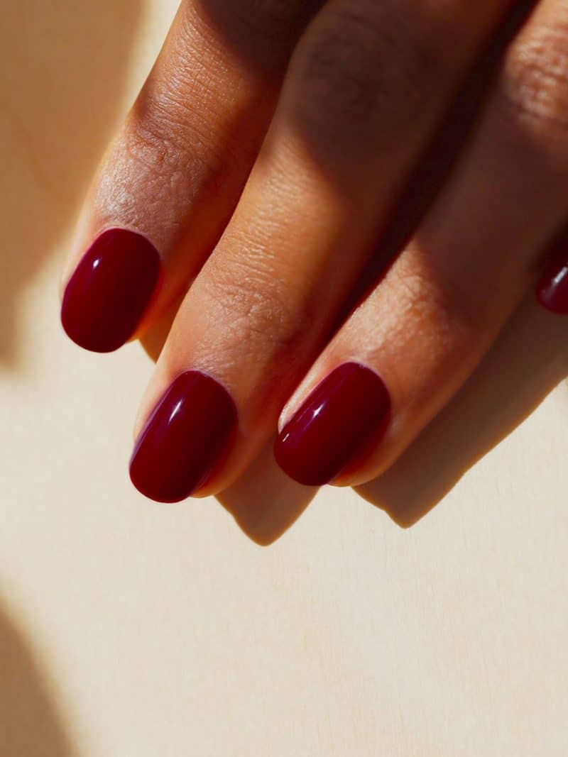 vernis à ongles semi permanent green flash bordeaux dark pansy de la marque Manucurist