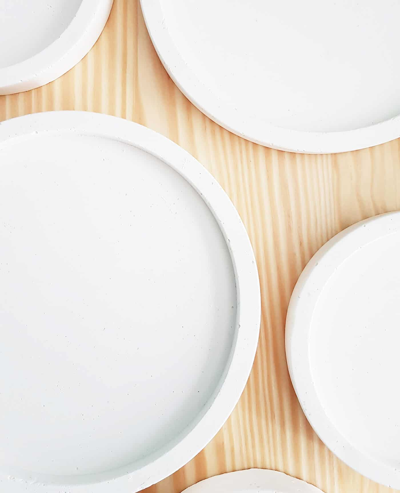 Socle support naturel blanc pour bougies fleuries de la marque Ponoie Made in France