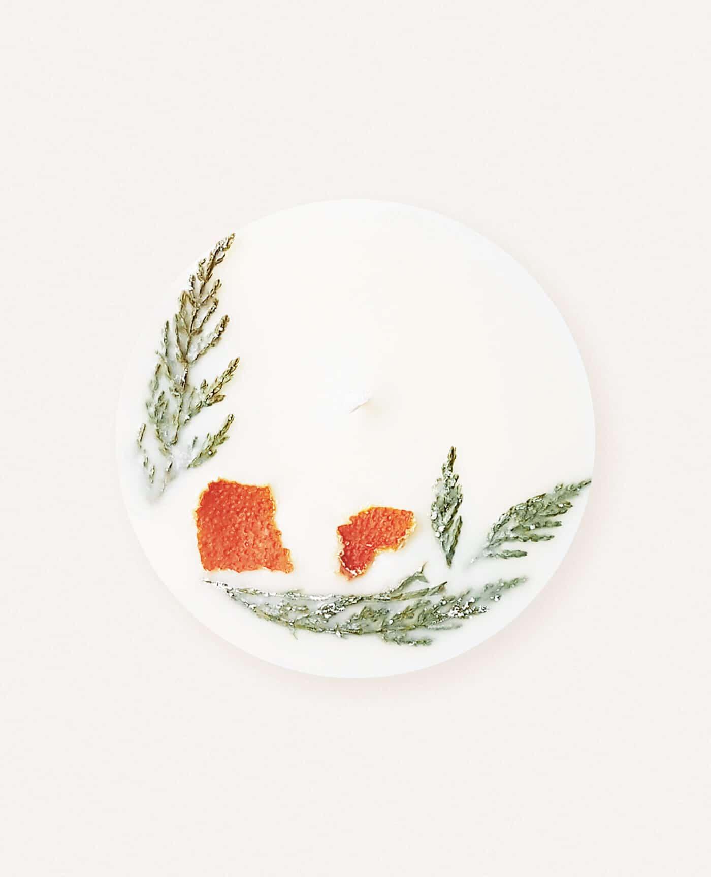 Bougie parfumée fleurie Orange et cyprès aux huiles essentielles bio et vegan de la marque Ponoie made in France