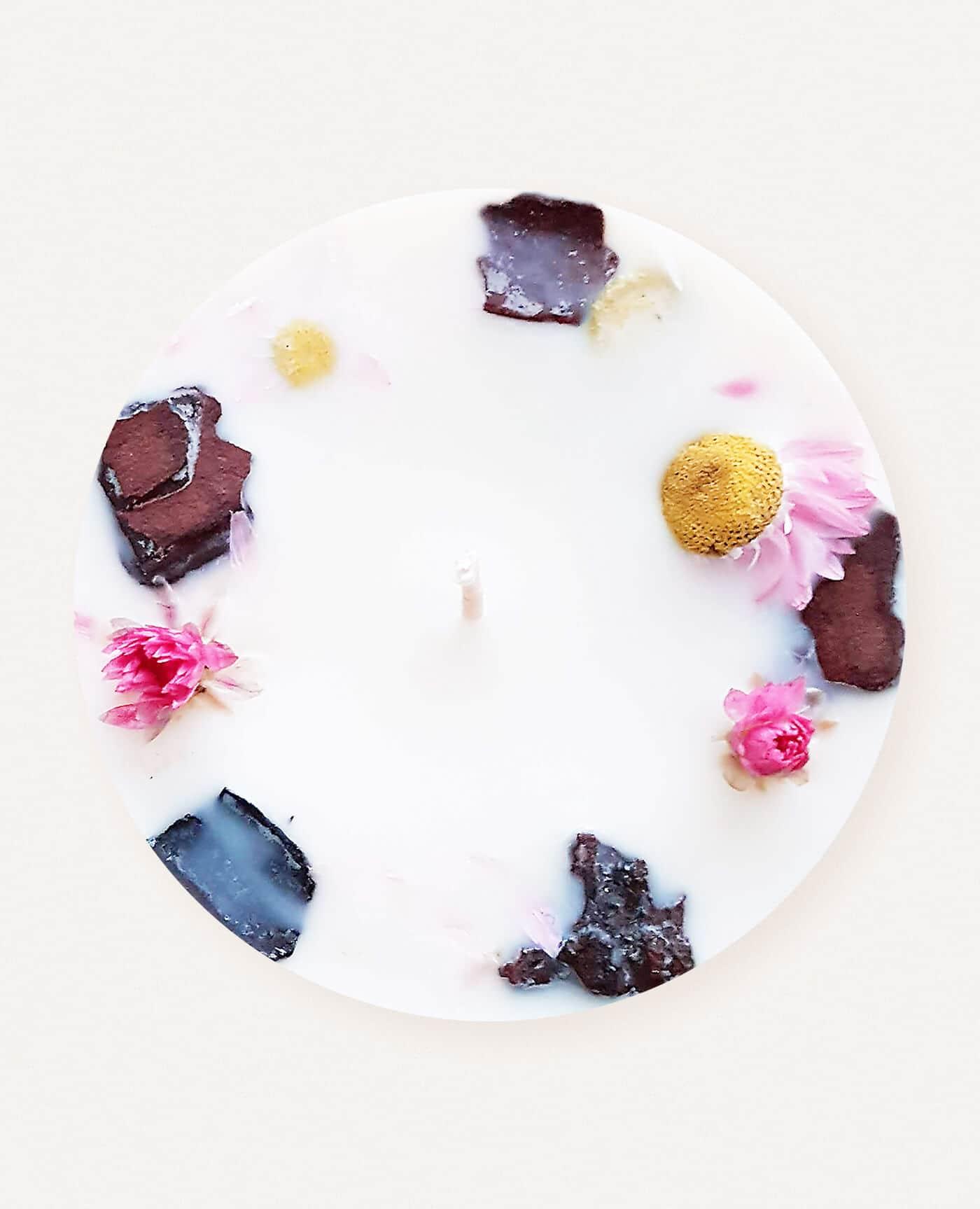 Bougie parfumée fleurie Palmarosa et arbres à thé aux huiles essentielles bio et vegan de la marque Ponoie made in France