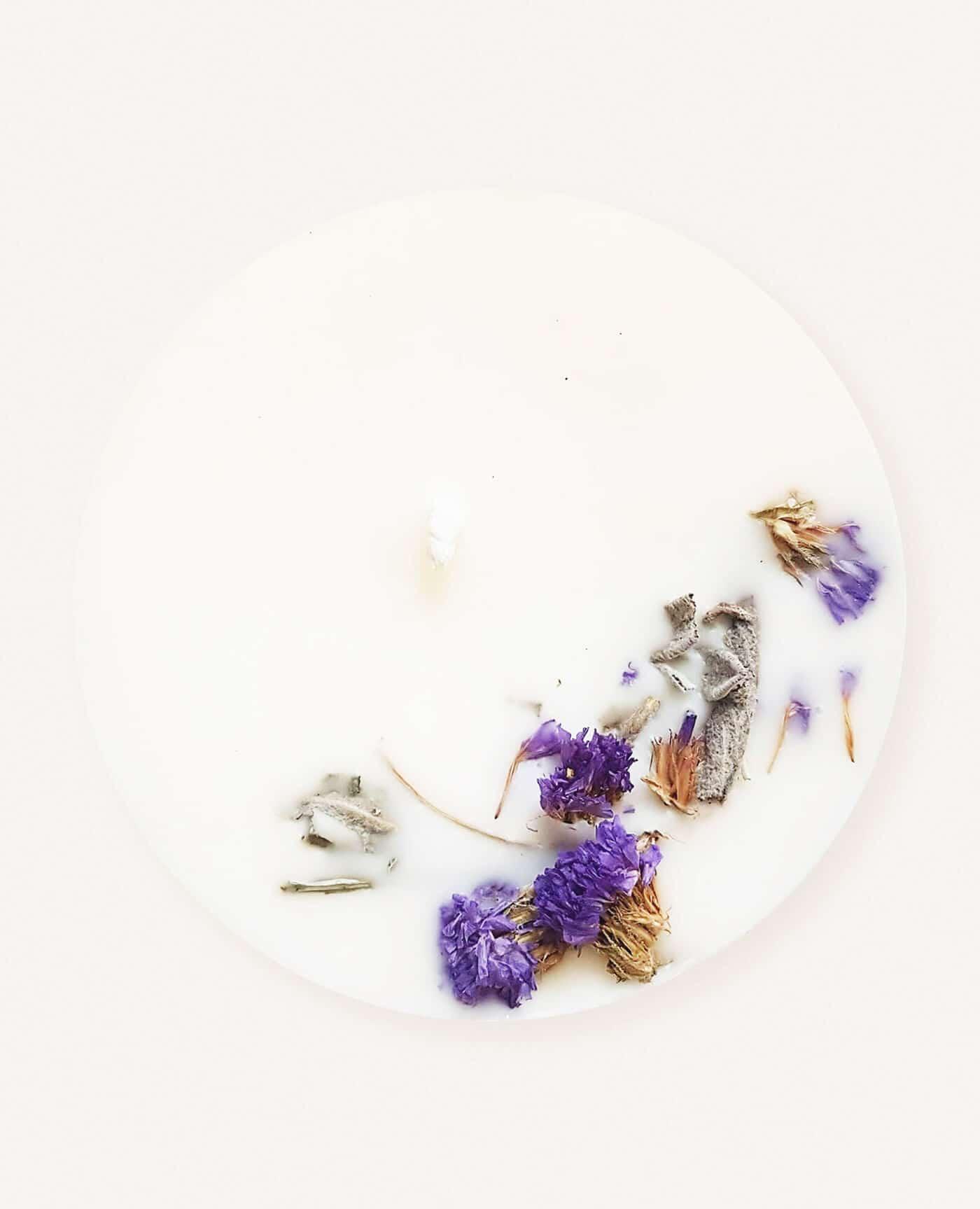 Bougie parfumée fleurie Musc boisé vegan de la marque Ponoie made in France
