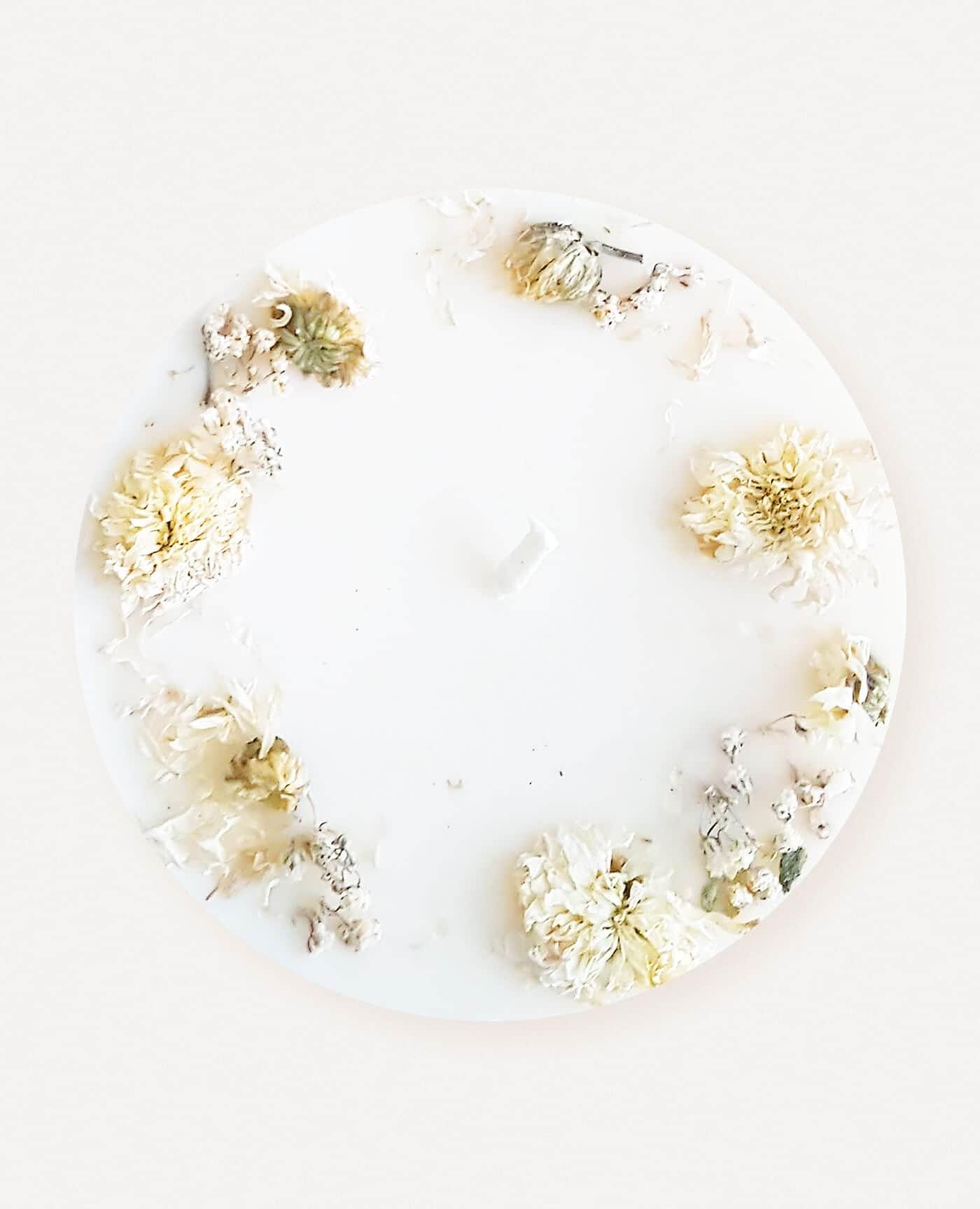 Bougie parfumée fleurie Prairies du Sud vegan de la marque Ponoie made in France