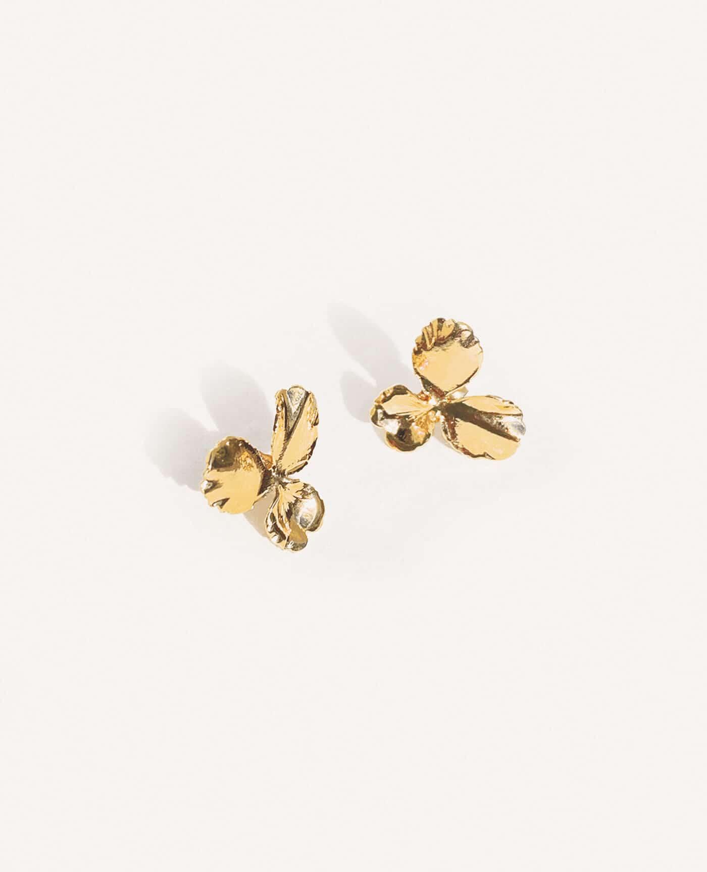 Boucles d'oreilles fleurs en or pensée small de la marque Elise Tsikis