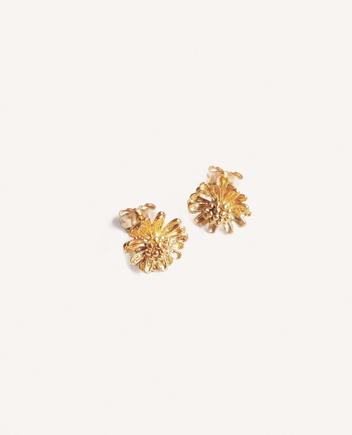 Boucles d'oreilles marguerite de la marque Elise Tsikis