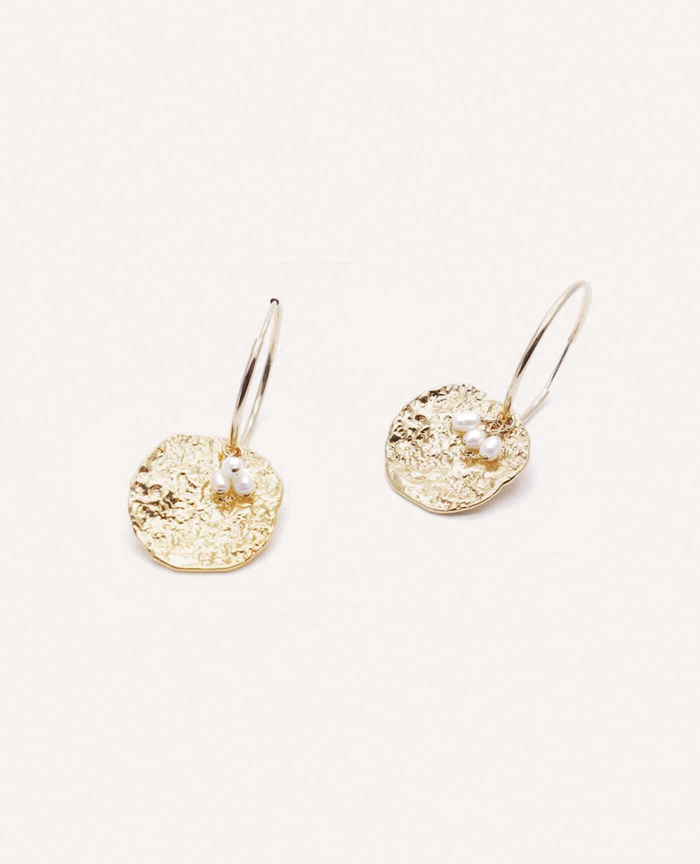 Boucles d'oreilles créoles Rosa en or et perles de la marque Gisel B made in france