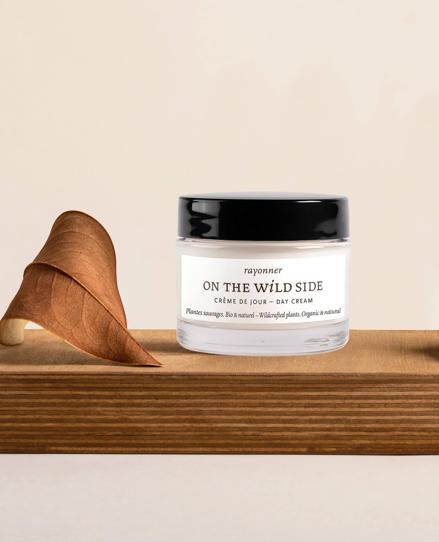 Crème de jour bio et vegan de la marque On the wild side
