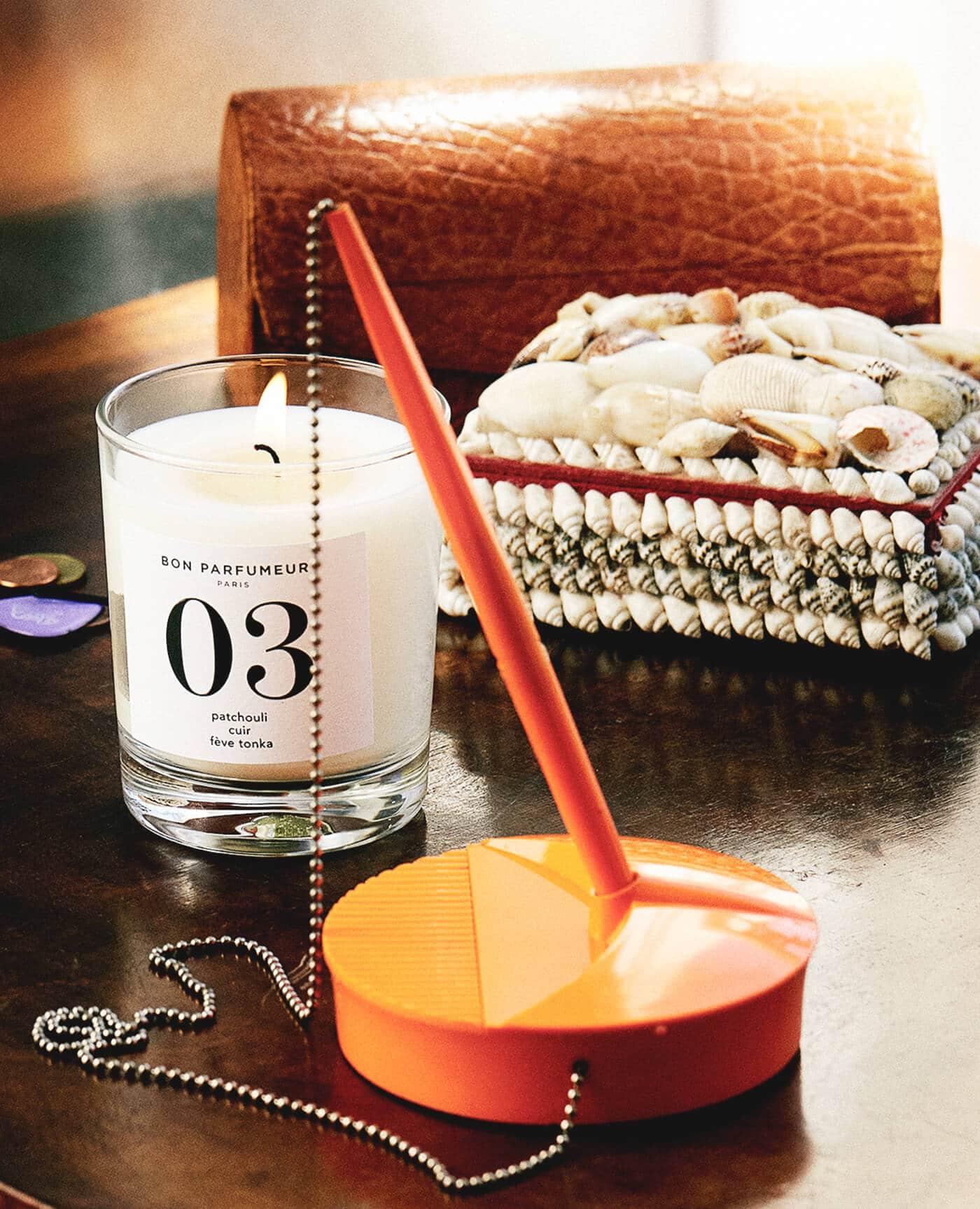 bougie 03 patchouli cuir et fève de tonka made in France de la marque Bon parfumeur