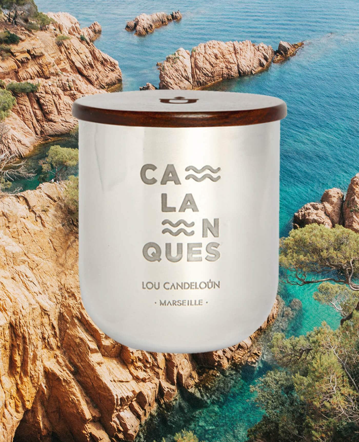 Bougie naturelle parfumée Calanques senteur sève de pin et iode de la marque Made in France Lou Candeloun