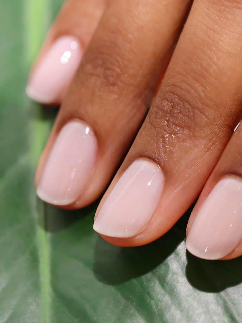 vernis à ongles semi permanent green manucurist blanc milky white