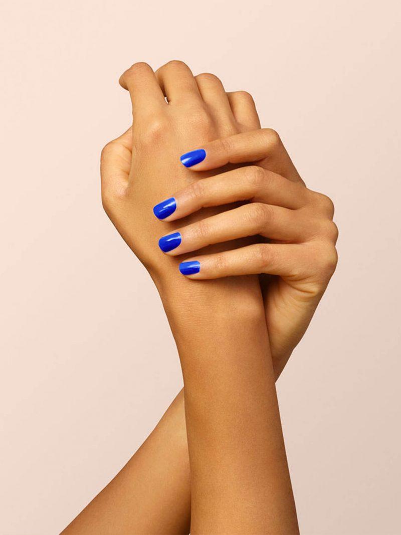 vernis à ongles semi permanent green manucurist bleu électrique ultra marine