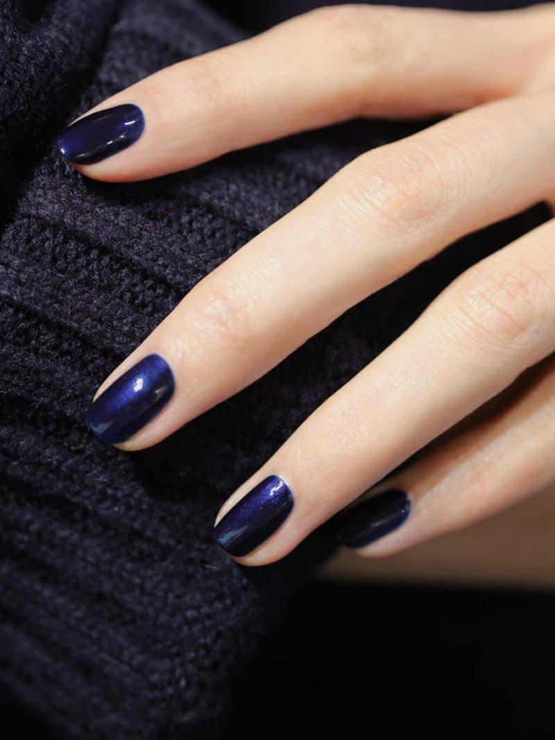 vernis à ongles semi permanent green manucurist bleu dark night