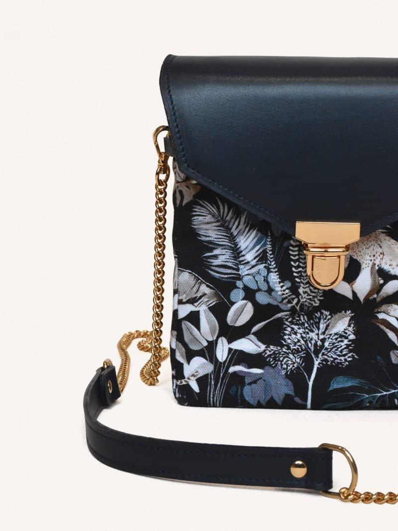sac mini jungle en cuir bleu de la marque maison baluchon